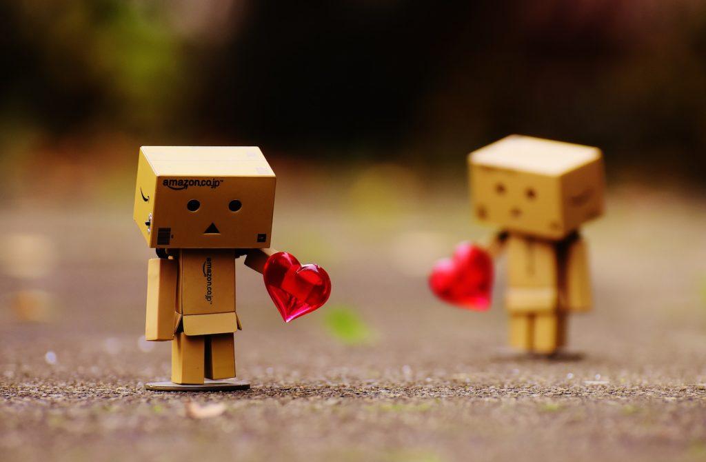 Die Beziehung von zwei Personen (schuldrechtliche Verpflichtung und dingliche Verfügung) wird getrennt. Ihr Leben (rechtliche Wirkung) geht unabhängig von einander weiter. Abstrakte Gedanken im Kopf.